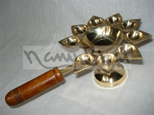 Picture of Arti 9 Batti Wooden Handle